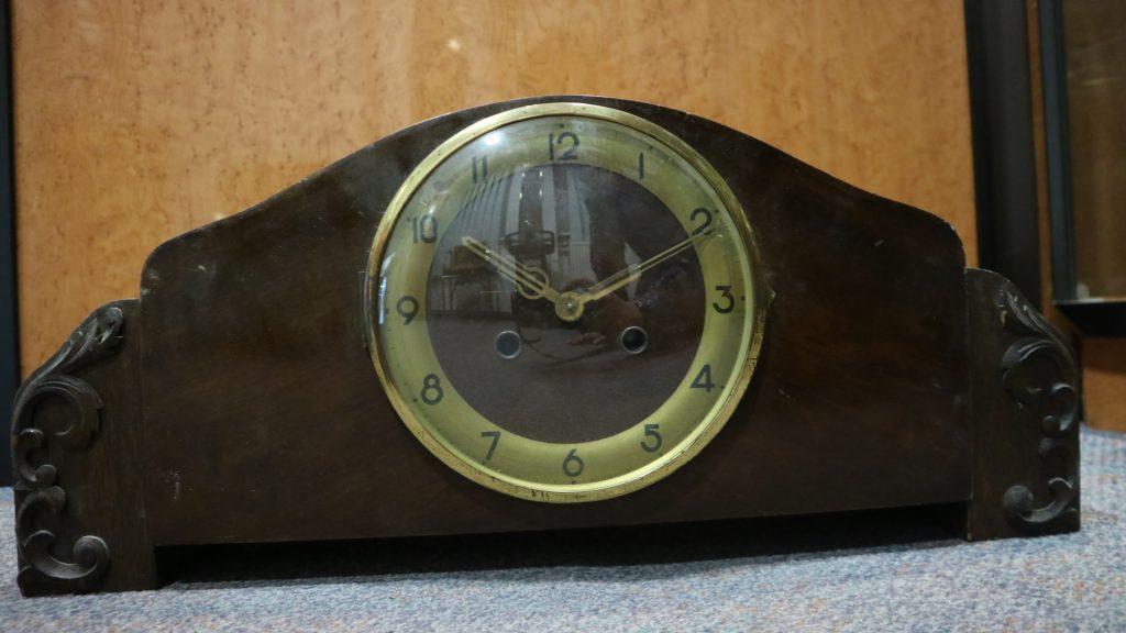 g602 Tischuhren ca. 1950 Image